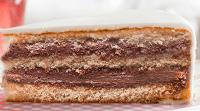 Ciasto waniliowe z nadzieniem nugatowym