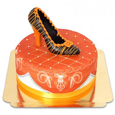 Pomarańczowy tort deluxe z czekoladowym pantofelkiem i wstążką
