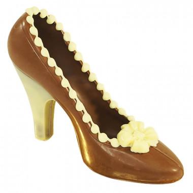 Brązowy czekoladowy pantofelek z białymi akcentami